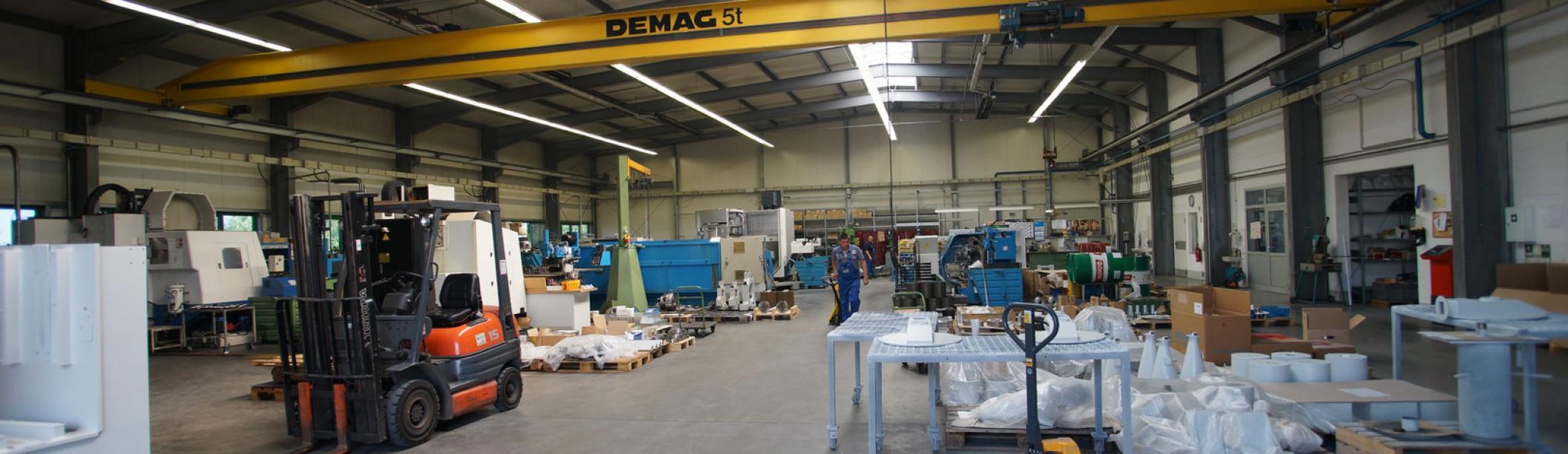 Produktionshalle 800 m² mit 5 Tonnen Kran